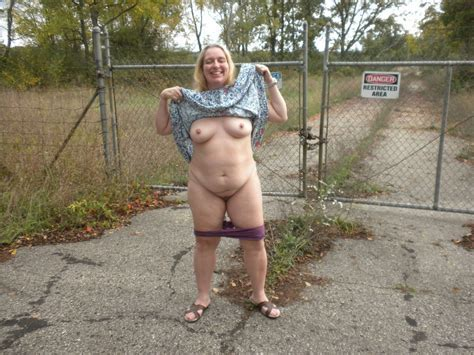 Mature Women Flashing In Public Places Mature Flashers