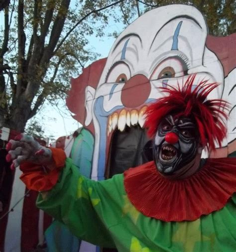 midget clown hiding in house 203 best images about klowns on pinterest freak show stephen kings and ronald mcdonald