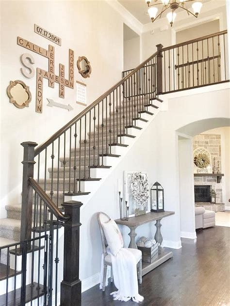 staircase wall design best 25 stairway wall decorating ideas on pinterest