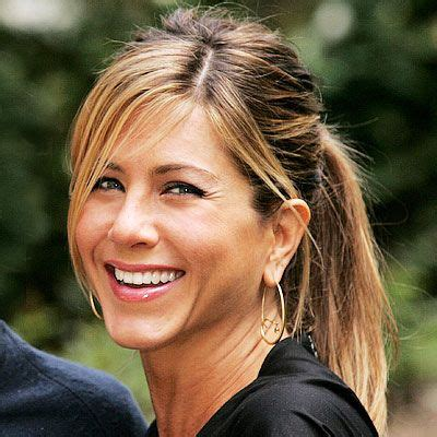 jennifer aniston side bangs pony tail side swept bangs jennifer hairstyle