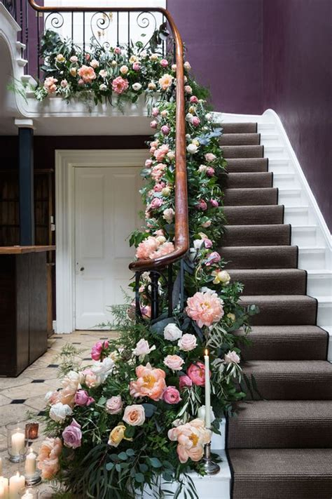wonderful ways  decorate  stairs  flowers