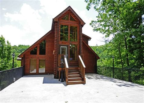2 bedroom cabins in gatlinburg gatlinburg cabin rental 2 bedroom log mountain view