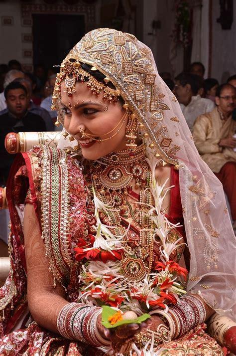 The 25  best Gujarati wedding ideas on Pinterest   Bride