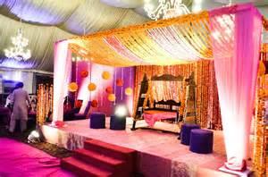 Simple Mehndi Stage Decoration Latest Pakistani Mehndi Stage Designs Mehndi Stage