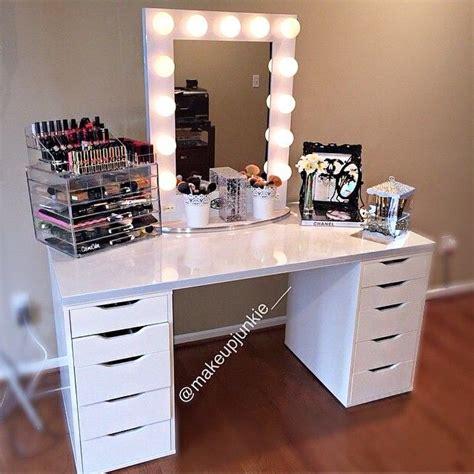 Best 25  Vanity set up ideas on Pinterest   Bedroom