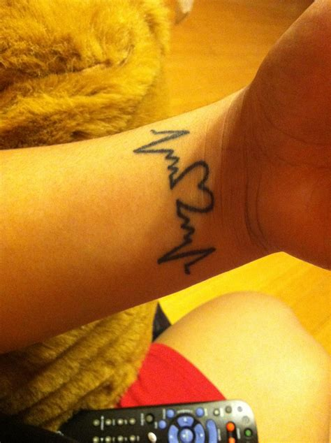 heart monitor tattoo designs monitor tattoos on thighs and monitor on