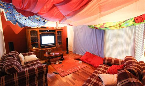 build room 11 awesome diy forts you can create for your kids