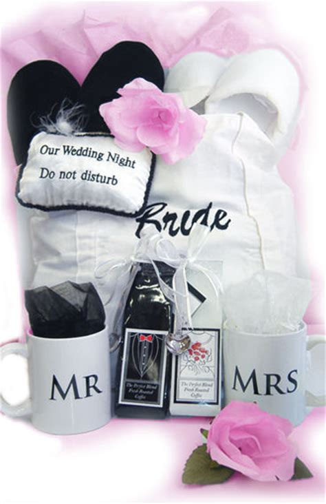 Bridal Shower Gifts For by Ideas For Bridal Shower Gifts Sang Maestro