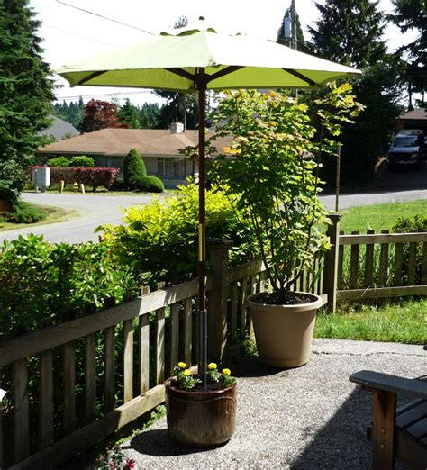 Diy Patio Umbrella Stand Made In The Shade A Unique Planter Pot Umbrella Stand Jadeflower