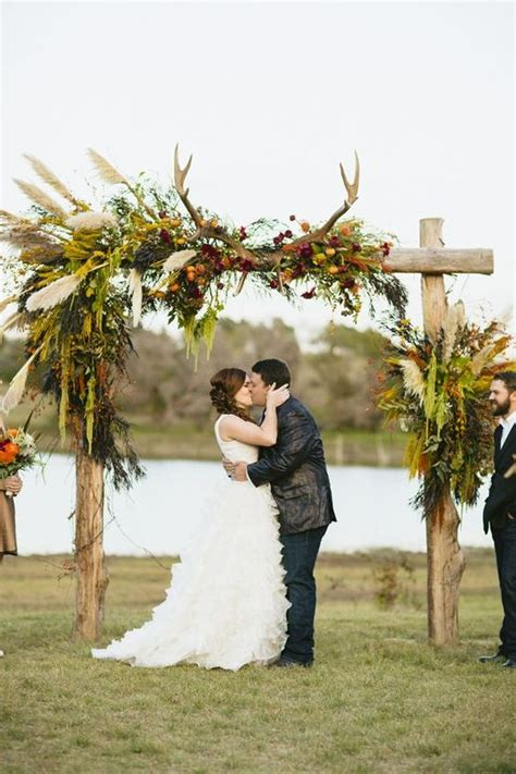 Wedding No Arch by 27 Fall Wedding Arches That Will Make You Say I Do