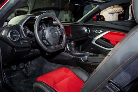 Chevy Interior by Chevy Camaro Zl1 Is The Ultimate Car With 6 2 Liter V8