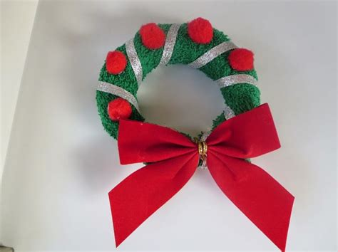 Washcloth Origami - wreaths made with washcloth craft
