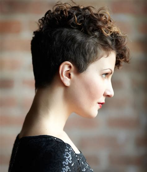 pixie haircut curly hair photos 10 trendy pixie haircuts for 2016 haircuts hairstyles