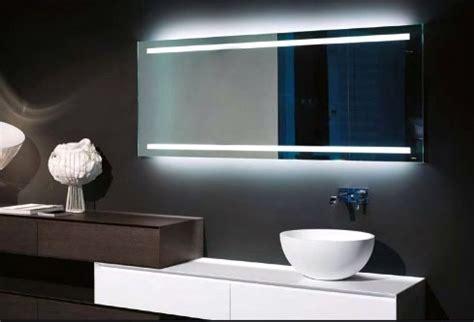 verwarmde badkamerspiegel met verlichting spiegel met verwarming en verlichting badkamer courant