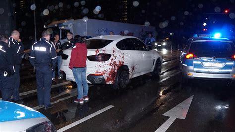 Autofolie Blutspritzer by Polizei Zieht Blut Bmw Aus Dem Verkehr Welche Auto