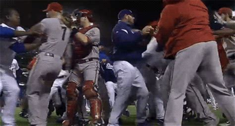 dodgers diamondbacks brawl zack greinke hit  pitch massive fight erupts videogifphotos