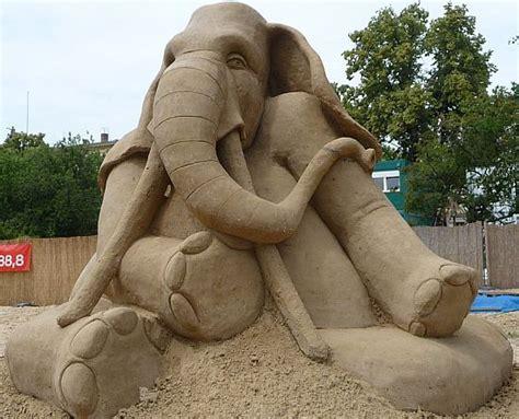amazing sculptures most amazing sand sculptures desirulez me