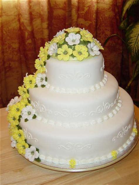 designer wedding cake prices prepare unique wedding cakes oct 23 2011