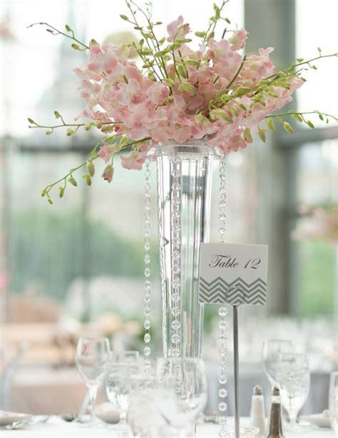 Vase Wedding Centerpieces by Best 25 Wedding Vase Centerpieces Ideas On