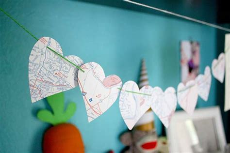 How To Make A Paper Garland - how to make a paper garland