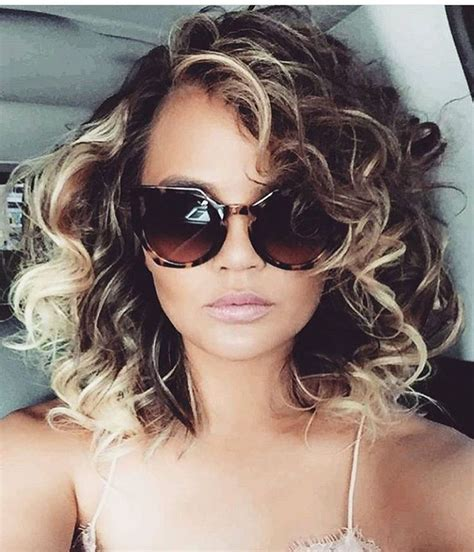 1980s short wavy hairstyles 25 best ideas about curly hairstyles on pinterest