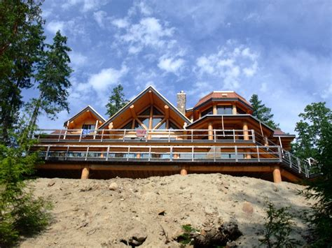 houses built on slopes building a log home on a slope artisan custom log homes