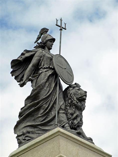 file britannia statue jpg wikipedia