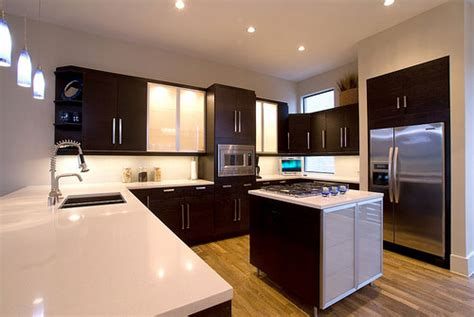 kitchen paint colors with brown cabinets