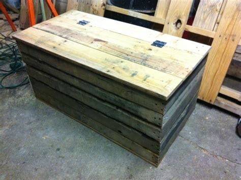 skid coffee table coffee table chest made from skids make your own coffee