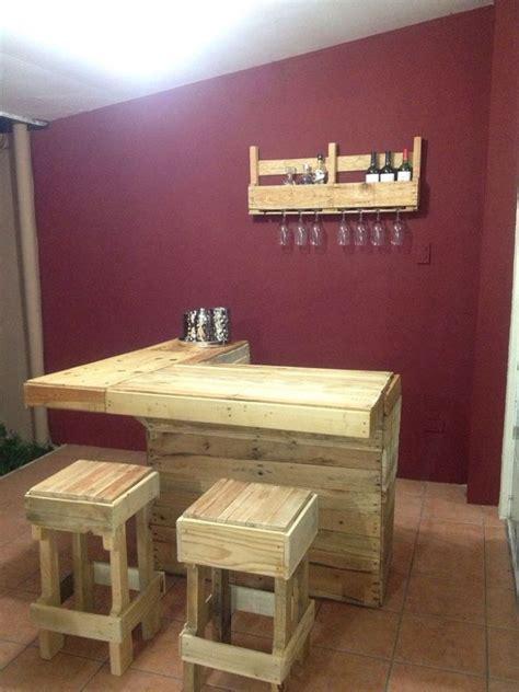 bar aus paletten comptoir de bar construit avec palettesmeuble en palette