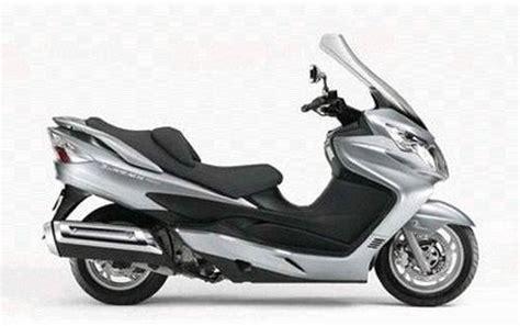 Suzuki Majesty Honda Silver Wing 400 Piaggio X8 400 Yamaha Majesty 400