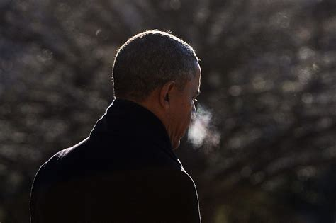 what of does obama does president obama smoke cigarettes heavy