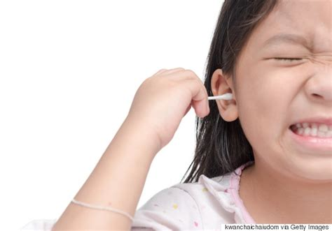 cleaning ears quit putting q tips in your ears says new study