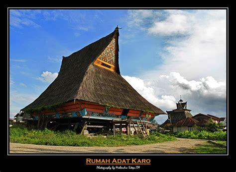 rumah adat seni kebudayaan indonesia