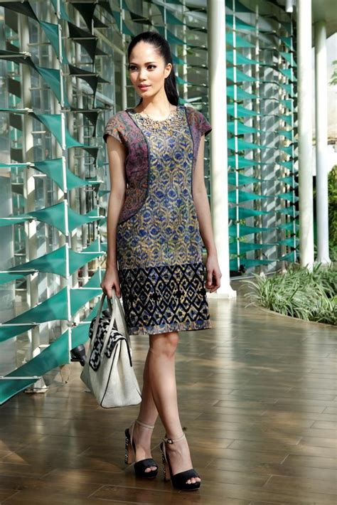 Ikat 4 Setelan 3 office look batik dress from indonesia with