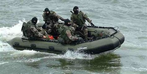 military rubber boat outboard military boat inflatable boat foldable 470 um