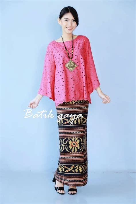 Bros Kutu Baru Kebaya Butik Etnic 1 155 best images about kebaya indonesia on brokat traditional and models