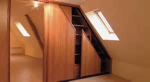 comment poser des portes de placard coulissantes sous
