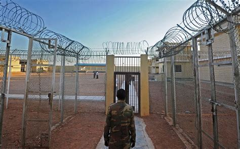 jail house rehabilitation of pirates jihadists in somalian prison