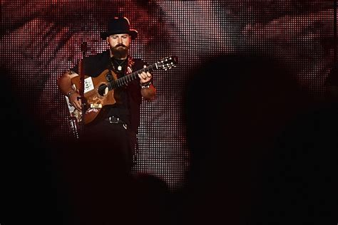Browns Live In Sues For Half Of His Estate by Zac Brown Sued By Fan After At Summer 2015 Concert