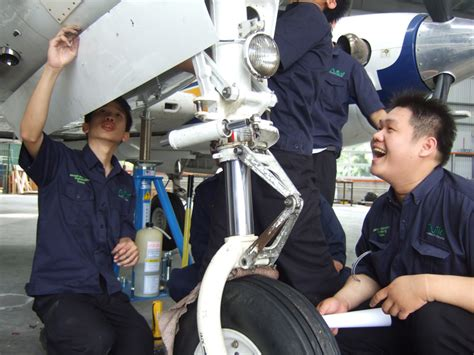 Engineer Maintenance by Facilities Of Aircraft Maintenance Engineering Nilai