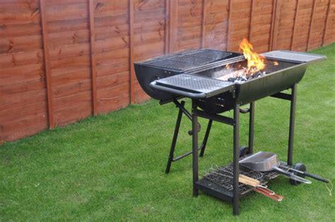Backyard Bbq Supplies Backyard Bbq Hosting Tips Home Improvement Ideas