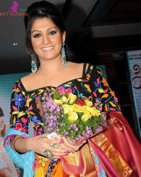 Radhika Kumaraswamy Hot Photos Sexy Bikini Images Gallery