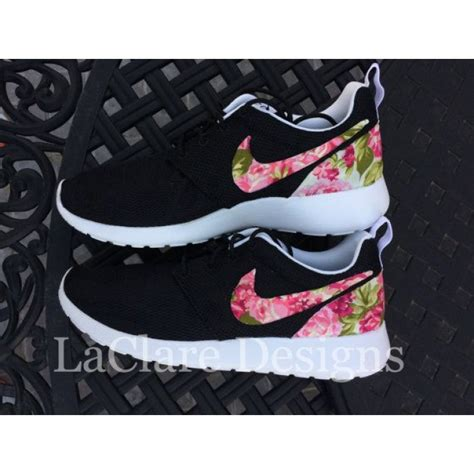 Nike Huarache Black White Sneakers Sepatu Jalan Pria Premium nike roshe run black white garden batch floral print custom