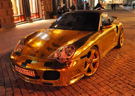 cool golden cars golden cars on moscow streets xcitefun
