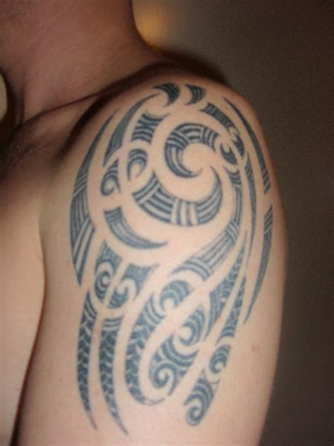 59 awesome hawaiian shoulder tattoo designs