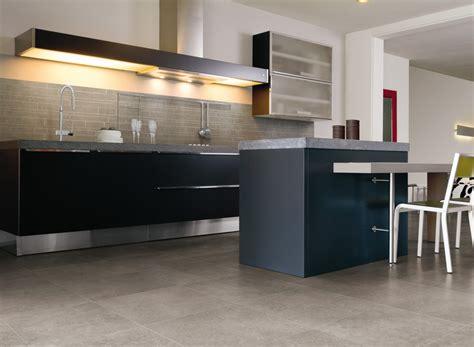 carrelage de cuisine sol conseils pour choisir un rev 234 tement de sol de cuisine
