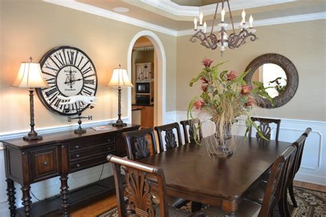 large clock in dining room for the home