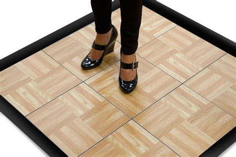 Mat Tapping by 3 X 3 Floor In Oak Finish Great For Practicing At Home