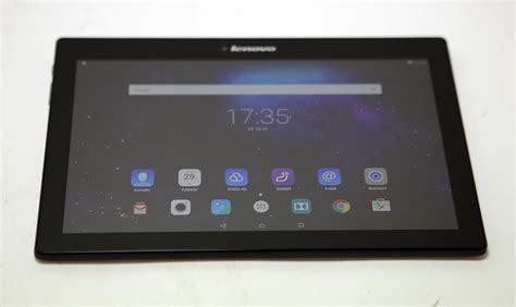 Tablet Lenovo Tab 2 A10 70 tablet lenovo tab 2 a10 70 z 225 ruka